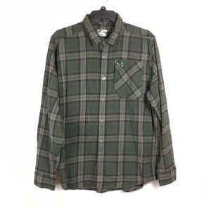 Under Armour green borderland plaid flannel shirt